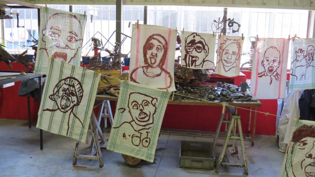 TRONCHES - atelier de peinture sur torchons